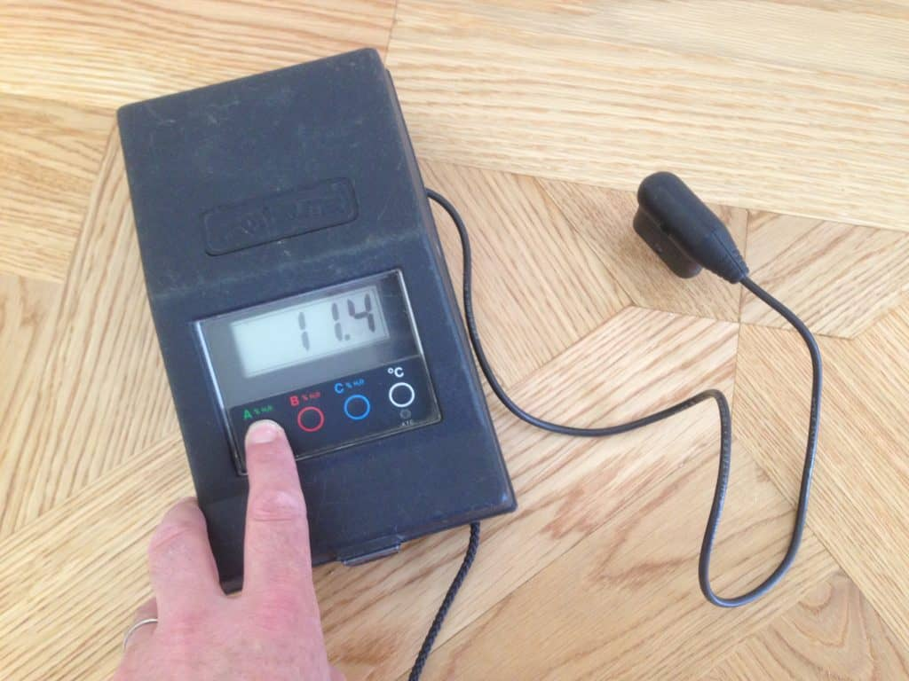 Moisture content testing in timber